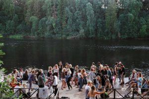 Integracja pracowników poprzez imprezy firmowe – czy warto?