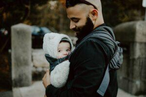 Jak zmierzyć dziecko do nosidła?